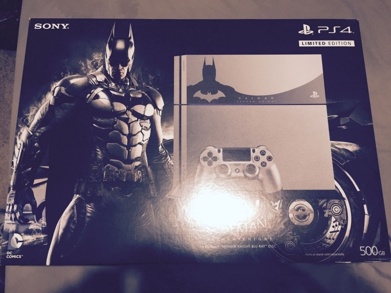 Sony Playstation 4 500GB  Batman Arkham Knight Console