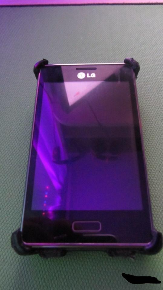 Телефон LG-E 612