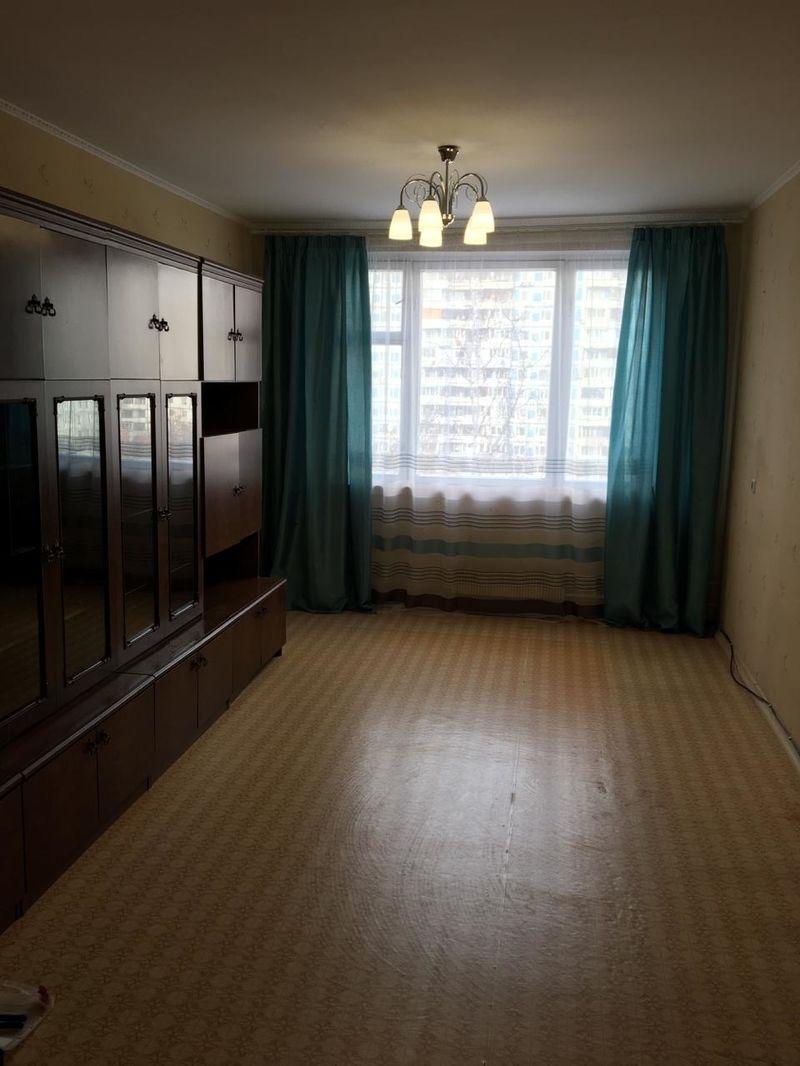 Сдаются в аренду две смежные комнаты в 3х комнатной квартире.