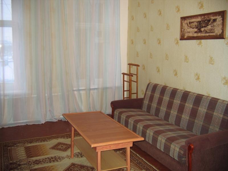 Светлая уютная комната  посуточно в центре Санкт-Петербурга м.Василеостровская